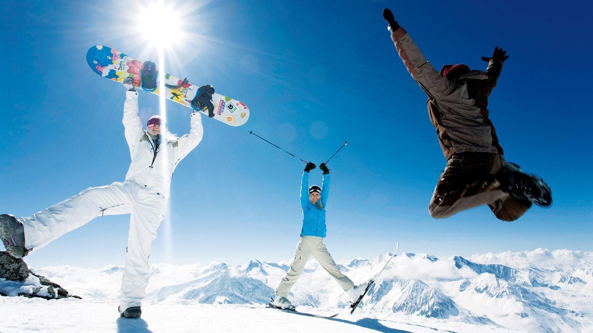 сноубордист в прыжке загрузить